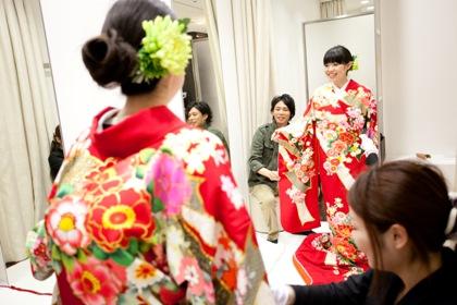 婚礼の衣裳合わせ