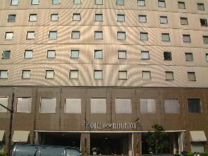 新阪急ホテルの外観